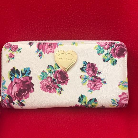 Betsey Johnson Handbags - Betsey Johnson wallet